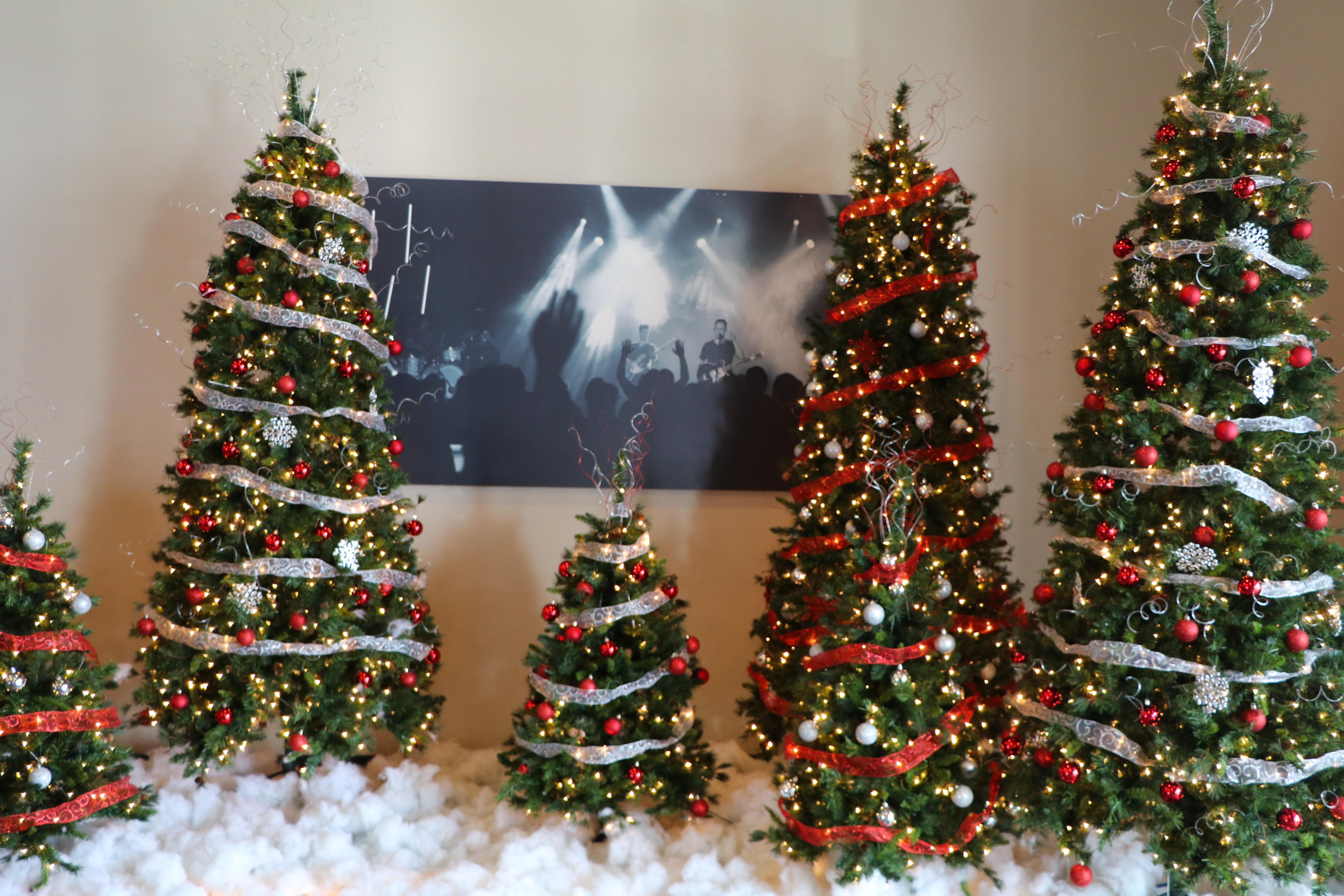 Christmas Tree 6 (JPG)