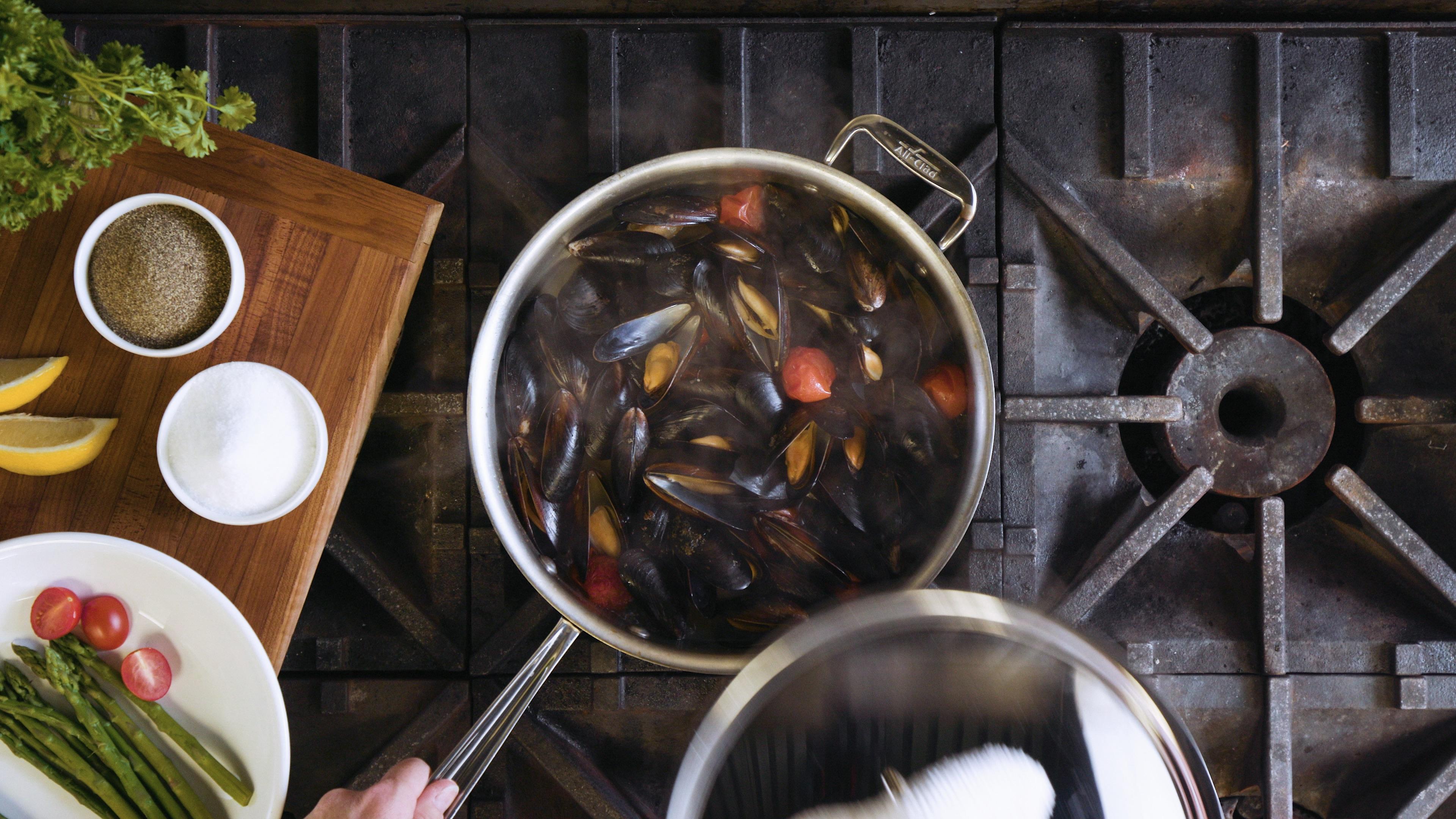 Pot of Food 01 (PNG)